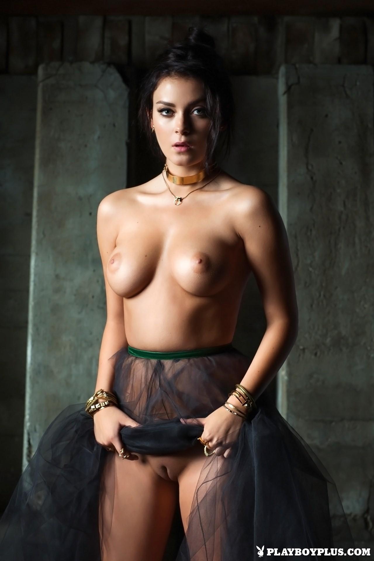 Alexandra Tyler Nude