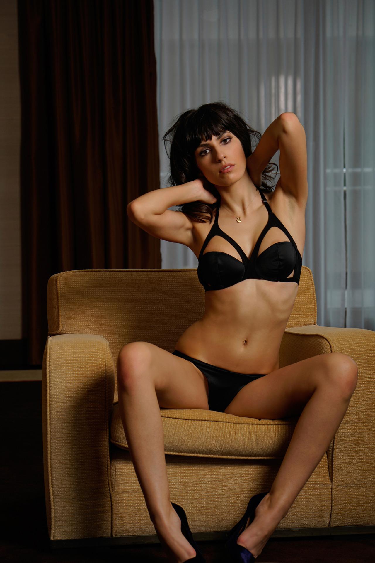 Scherer nude jacqueline Simon Bolz